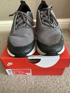 Boys Girls Nike Air Max 270 size 2.5 With Box
