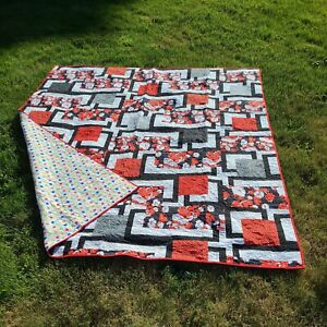 """Handmade Machine Quilted Patchwork King Size Quilt with Two Shams Signed 85""""x99"""""""