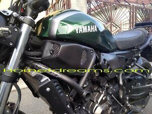 Fianchetti fiancatine laterali anteriori yamaha XSR 700