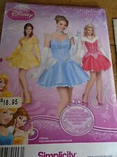 "1553  PATRON ""SIMPLICITY COSTUME 3 ROBES PRINCESSES DISNEY    34 A 40"