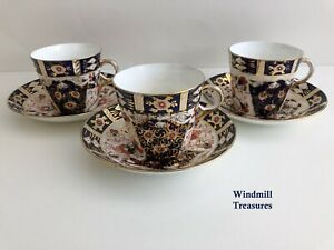 3 VINTAGE IMARI STYLE COFFEE CANS CUPS & SAUCERS - GOOD CONDITION