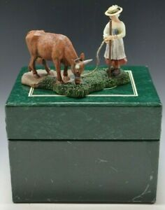 1997 COLONIAL WILLIAMSBURG DAIRYMAID LEADING COW WISE AND LANG MIB