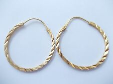 Classic and elegant 18ct gold earrings