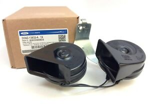 Ford Fusion Lincoln MKZ Dual High Low Note Electronic Horn with Bracket new OEM