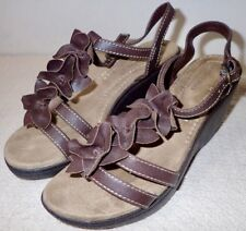 Comfort Plus by Predictions Brown Leather Strap Sandals Size 6 1/2 W NWOT Lot70