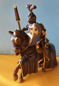 Schleich Black Knight On Horse 70032 Collectable