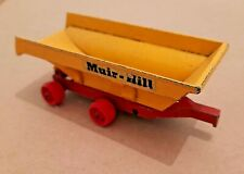 No.K-5 Matchbox Super Kings Red and Yellow Tipping Muir-Hill Trailer.