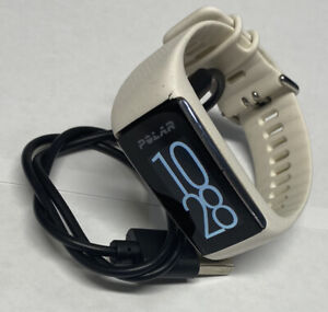 Men Or Women's Polar a370 Fitness Watch White Small/Medium Band With Charger