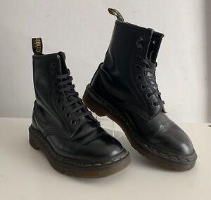 Vintage Classic Black 8 Eyelet Dr Martens 1460 Boots Made in England U.K Size 3