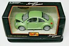 MAISTO / SPECIAL EDITION GREEN VOLKSWAGEN BEETLE 1:25 SCALE DIE CAST CAR