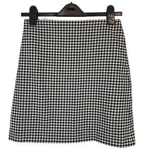 Karen Millen Black & White dogtooth Design Mini skirt. UK Size 6. EXC CON.