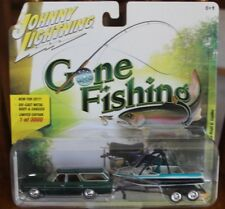 2017 JOHNNY LIGHTNING Gone Fishing Release 4B 1973 CHEVROLET CAPRICE with BOAT!!