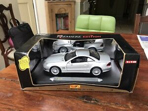 Maisto 1:18th Scale 1998 Mercedes-Benz SL 55 AMG with Box