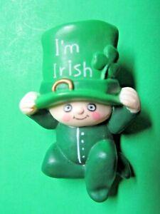 VINTAGE FUN WORLD I'M IRISH BABY LEPRECHAUN ST PATRICK'S LAPEL PIN (P101)