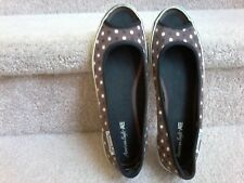 Perfect for Summer Ladies Pink Polka Dot Canvas Espadrille Pumps F2200