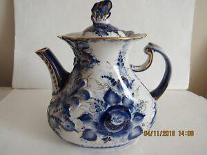 Teapot  Russian Gzhel porcelain  hand painted signed 3