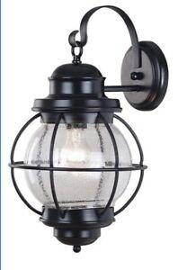 Kenroy Home Hatteras Large Wall Lantern Lamp, Model# 90963GC