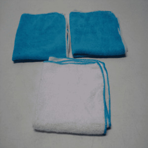 Set of 3 Blue and White Microfibers Towels