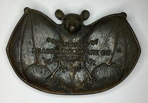 VTG READING HARDWARE CO ADVERTISING BAT ASH PIN TRAY PENNSYLVANIA USA CAST IRON