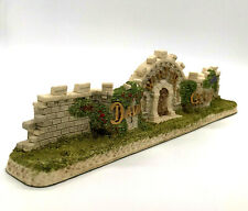 David Winter Cottages The Castle Wall 1994 Coa And Box Perfect