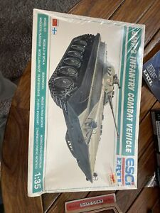 ERTL-ESCi 1/35 SCALE COLD WAR RUSSIAN BMP2 INFANTRY FIGHTING VEHICLE  MODEL KIT