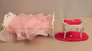 1960's Vintage SUZY GOOSE Barbie Doll Furniture BED & Vanity Chair Stool w/Rug