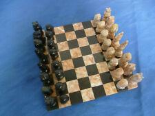 Schönes altes Schachspiel aus Stein, Marmor, Speckstein?