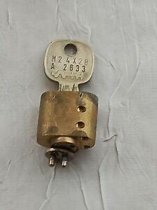 ADP / Merkur Automatenschloss oval mit 1 Schlüssel