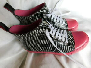 L.A GEAR hot pink & black white polka dot slip on BOOTS LACE up active SHOES 8 M