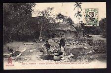 INDOCHINE TONKIN enfants puisant de l'eau au village de YEN LI prés de TONG