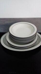 Hornsea cornrose dinnerware
