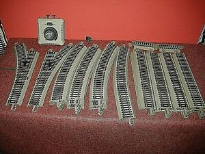 HO Bachmann EZ track Lot: 30 Sections + controller. With pair of T/O. C-7  sc
