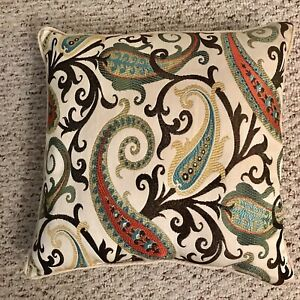 "Better Homes & Garden Paisley Print Decor Sofa Pillow Size 18""X 18"" Square EUC"