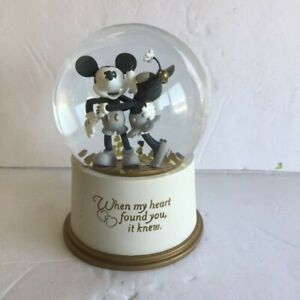 Disney Mickey & Minnie  Mouse  Water Snow Globe ~ Hallmark Gift When My Heart