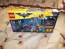1 LEGOS THE BATMAN MOVIE CATWOMAN CATCYCLE CHASE  70902 7-14 139 PCS FREE SHIP