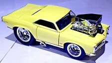 Muscle Machines 1966 PONTIAC GTO YELLOW SUPERCHARGED 1:24 Scale DOORS OPEN