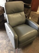 LAZYBOY LA-Z-BOY FULLY ELECTRIC OFFICE ,LOUNGE CHAIR IN GREY LEATHER