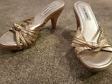 STEVE MADDEN Women's LIZI Gold Leather Mule Sandals with Wood Heel Size 7 NEW