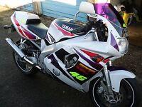 Yamaha FZR 250 400 600 Carénage Accident Champignons Tongs Bobines Bouchon Blanc