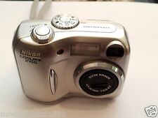 Nikon Coolpix 2100 2.0MP Digitalkamera-Silve