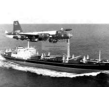 US NAVY P2V NEPTUNE PLANE FLIES OVER SOVIET FREIGHTER 1962 - 8X10 PHOTO (OP-539)