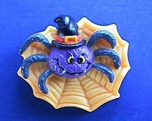 Russ PIN Halloween Vintage SPIDER in WITCH HAT Purple WEB Holiday Brooch
