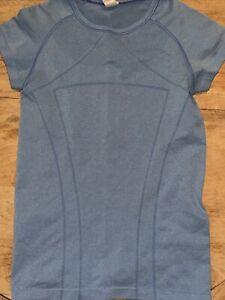 Ivivva by Lululemon  Fly Tech Short Sleeve Top Blue Size 12
