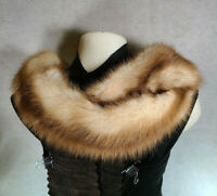 Vintage BEAUTIFUL BROWN FUR Collar Wrap Stole with Store Box