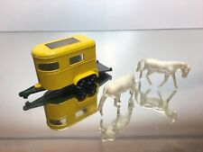 MATCHBOX  LESNEY -  NO= 43  PONY TRAILER + 2 HORSES   - IN VERY GOOD CONDITION