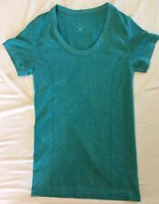 Moving Comfort blue-green print stretch short-sleeved t-shirt S Seamless