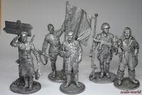 Set of tin soldiers World War II 54 mm. 5 figures