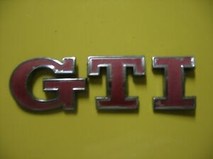 3 B 0853675 abgqf Genuine VW TDI posterior arranque Rojo Insignia Emblema Cromado