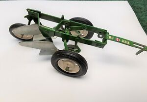 Vintage Carters Tru Scale Green 2 Bottom Plows Farm  Toys John Deere Oliver