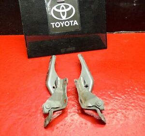 01-03 TOYOTA PRIUS HOOD BONNET SUPPORT HINGE HINGES DRIVER PASSENGER SILVER OE